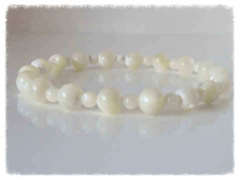 Ivory Cream Mother of Pearl Round Beads Stretch Bracelet